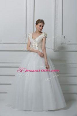 Ideal V-neck Short Sleeves Tulle Wedding Dresses Beading and Appliques and Bowknot Lace Up