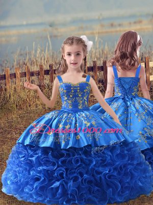 Beautiful Sleeveless Embroidery Lace Up Little Girls Pageant Dress Wholesale with Blue Sweep Train