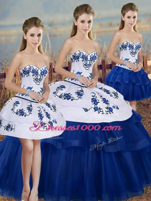 Sweetheart Sleeveless Tulle Sweet 16 Dresses Embroidery and Bowknot Lace Up