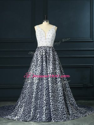 Vintage Sleeveless Printed Brush Train Backless Evening Dress in White And Black with Beading