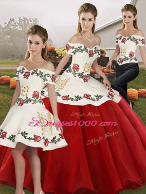White And Red Lace Up Quinceanera Gowns Embroidery Sleeveless Floor Length