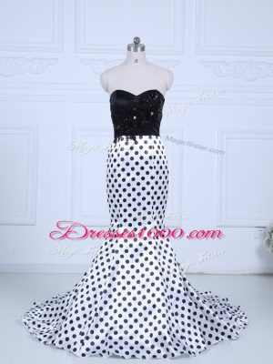 White And Black Sleeveless Brush Train Lace Formal Dresses