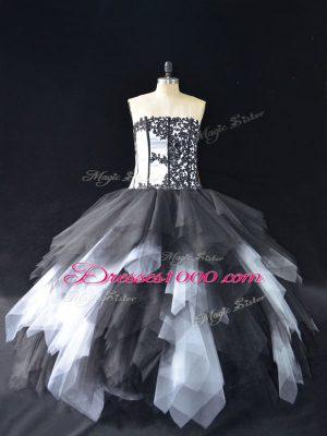 Sexy Lace and Ruffles Vestidos de Quinceanera White And Black Lace Up Sleeveless Floor Length