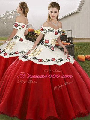 Suitable Floor Length Lace Up Quinceanera Dresses White And Red for Military Ball and Sweet 16 and Quinceanera with Embroidery