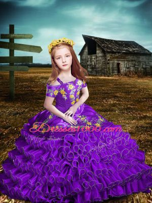 Short Sleeves Organza Floor Length Lace Up Little Girl Pageant Dress in Purple with Embroidery and Ruffled Layers