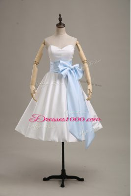 Long Sleeves Satin Knee Length Lace Up Homecoming Dress in White with Bowknot