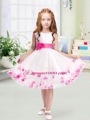 Nice Scoop Sleeveless Flower Girl Dress Knee Length Appliques and Belt White Tulle