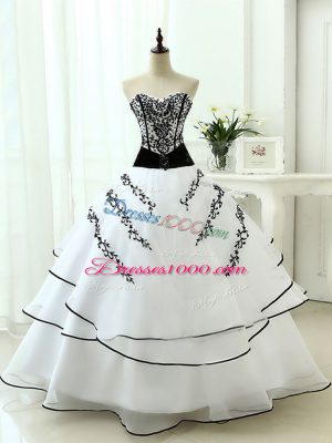 Classical White Sleeveless Organza Lace Up Ball Gown Prom Dress for Military Ball and Sweet 16 and Quinceanera