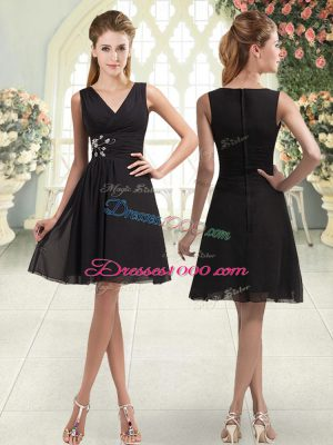 Enchanting Black A-line V-neck Sleeveless Chiffon Mini Length Zipper Beading Dress for Prom
