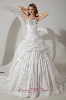 Ball Gown Strapless Court Train Taffeta Wedding Gown