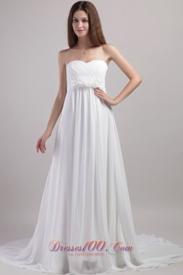Sweetheart Chapel Train Chiffon Wedding Dress