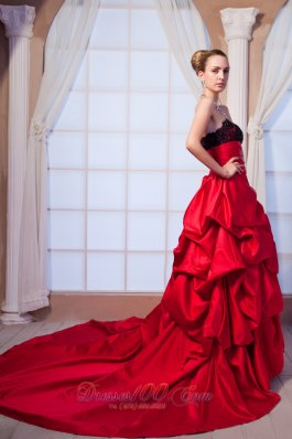 Red A-line Strapless Pick-ups Taffeta Wedding Dress