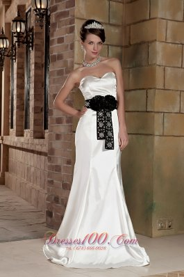 Sweetheart Brush Train Satin Beading Wedding Dress Black Sash