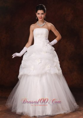 Strapless Hand Made Flowers Tulle Wedding Gown Floor-length