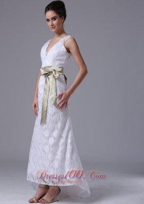High-low V-neck Lace Stylish Customize Wedding Dress Sash