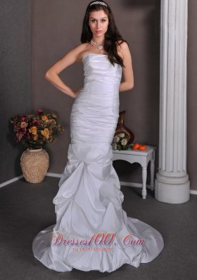 Mermaid Pick-ups Wedding Dress Ruched For Cheap