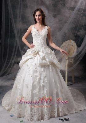 Snow White V-neck Taffeta Lace Wedding Gowns