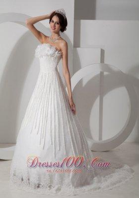 Elegant Wedding Dress Strapless Satin and Lace