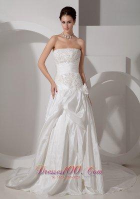 Elegant Strapless Wedding Dress Taffeta Appliques