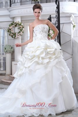 Gorgeous Strapless Beading and Appliques Wedding Dress