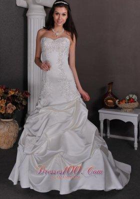 Jazzy Sweetheart Wedding Dress Taffeta Appliques