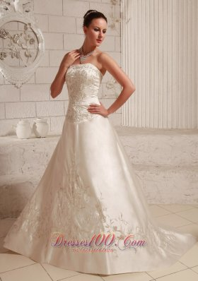 High Quality Satin Embroidery Over Wedding Dress