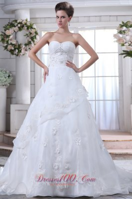 Pretty Beading Wedding Gown Brush Train Organza