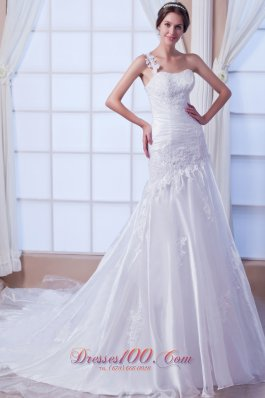 One Shoulder Organza Embroidery Wedding Gowns