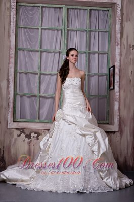 Taffeta And Lace Strapless Wedding Bridal Gown Chapel Train
