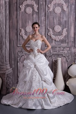 Sweetheart Taffeta Embroidery With Beading Wedding Gown