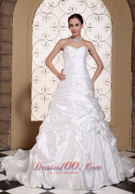 Sweetheart Taffeta Chapel Train Wedding Gown Pick-ups