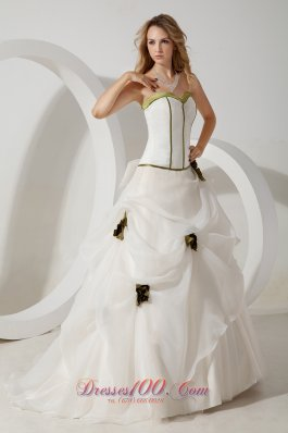 Organza Hand Made Flowers Sweetheart Bridal Gown Brush Train