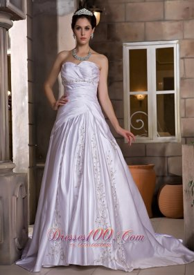 Sweetheart Chapel Train Wedding Gown Appliques With Beading