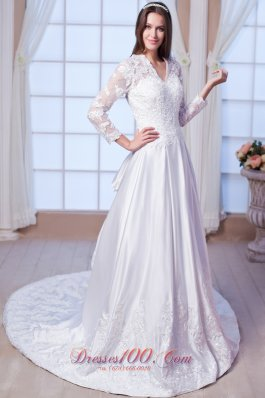 Luxurious Gingle Border Lace Wedding Dress Sleeved Chapel
