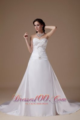 Embroidery A-line Clasp Wedding Dress Sweetheart Buttons