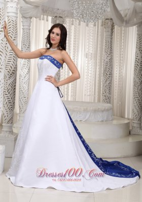 Strapless Embroidery Wedding Dress With Court Train