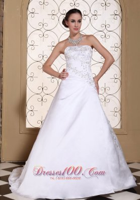 Strapless Embroidery Chapel Train Wedding Gown Dress
