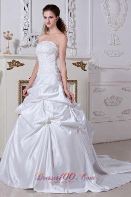 Embroidery Court Train Taffeta Wedding Gowns