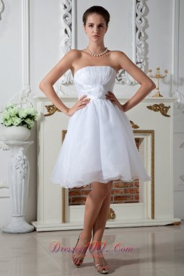 Sexy A-line Strapless Organza Ruched Wedding Dress Chic
