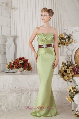 Satin Yellow Green Pleats Sahed Prom Gown with Beads