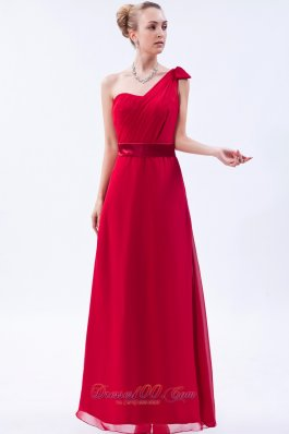 One Shoulder Red Bowknot Ruch Decorate Bridesmaid Dress