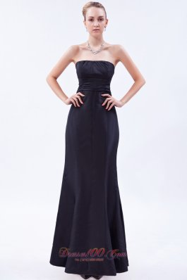 Satin Ruch Navy Blue Column Strapless Bridesmaid Dress