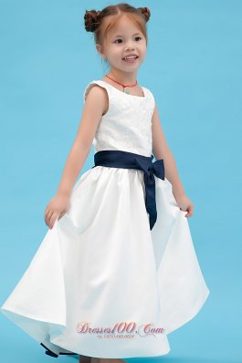 Affordable White Little Girl dress A Line with Black bow