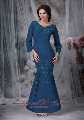 Green Mermaid V-neck Beading Mother Dresses