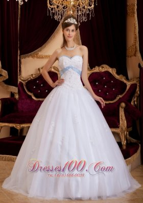 Elegant Sweetheart White Ball Gown Quinceanera