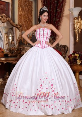 Boning White Sweet 15 Dress Embroidery Ball Gown