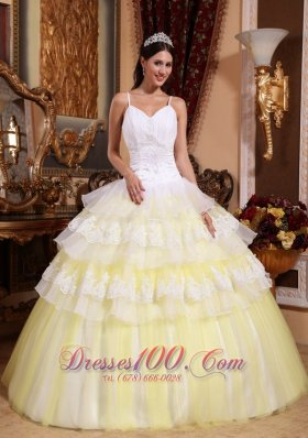 Light Yellow Organza Lace Appliques Quinceanera Dress