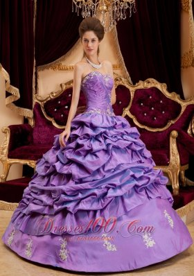 Lavender Dresses for Quinceaneras Sweetheart Taffeta Appliques
