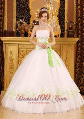 Organza Appliques White Quinceanera Dress On Sale