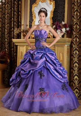 Floor-length Purple Princess Organza Appliques Quinceanera Dress